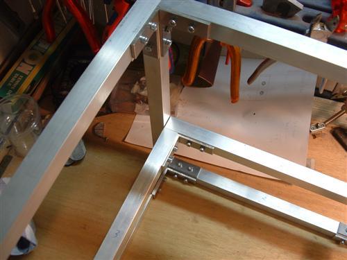 http://www.modcenter.nl/images/cubeleon3/Middenplaat%20af2%20(Custom).JPG